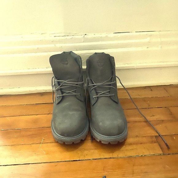Grey Timberland Boots Juniors 6 Fits